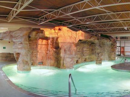 Holiday Inn North Beach Va Pools Hotel Suites