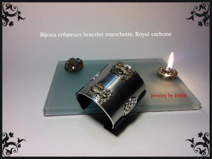 Bijoux créateurs bracelet-manchette. Royal carbone : Bracelet par et666