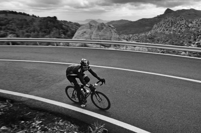 Bradley Wiggins climbs alone - Training on Mallorca
