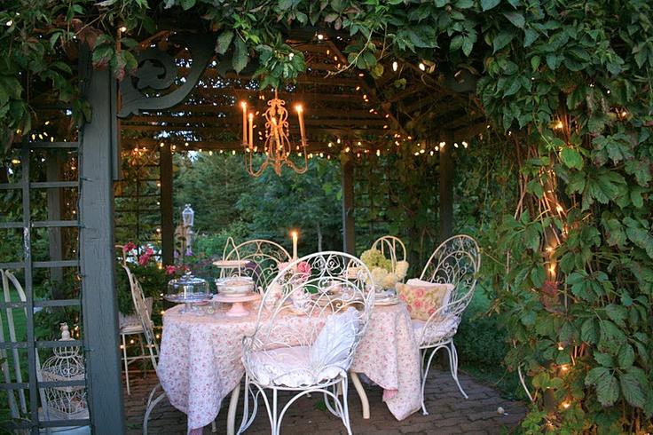 pretty gardenscape