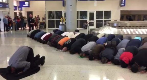 Loud Arab Call To Prayer Inside Dallas Fort Worth Airport While Muslims Pray, Chant 'Allah' (VIDEO)