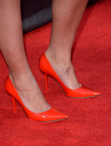 Jamie Lynn Spears Photos Photos - Actress Jamie Lynn Spears (shoe detail) attends the 49th Annual Academy Of Country Music Awards at the MGM Grand Garden Arena on April 6, 2014 in Las Vegas, Nevada. - Arrivals at the Academy of Country Music Awards — Part 2