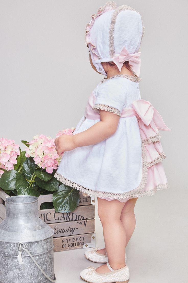 Vestido jacquard con capota a juego. Tartaleta moda infantil. Primavera-verano 2017