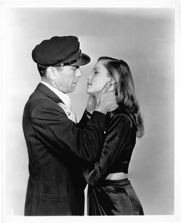 Humphrey Bogart y Lauren Bacall en unas fotografías promocionales de 'To Have and Have Not' (Howard Hawks, 1944).