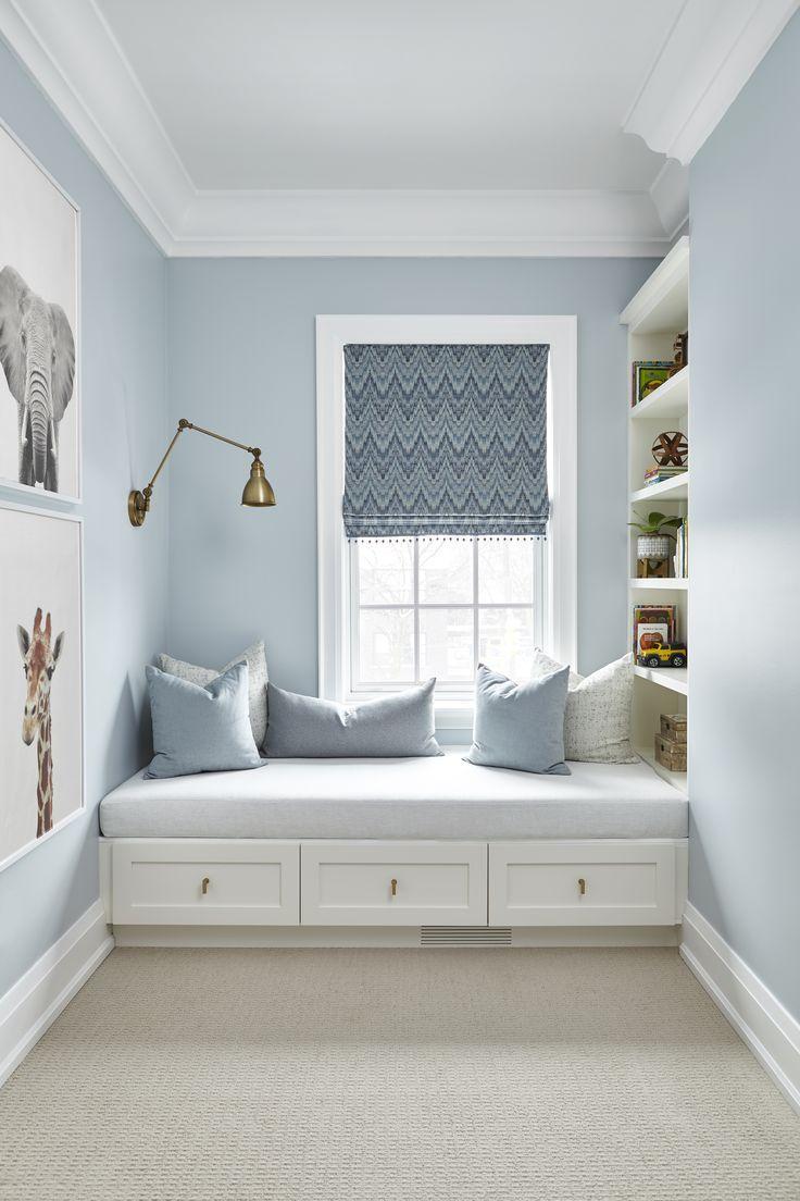 Bild perfekt, eingebaute Bank mit Schubladen und Regalen. Ich liebe diese Idee für ein k
