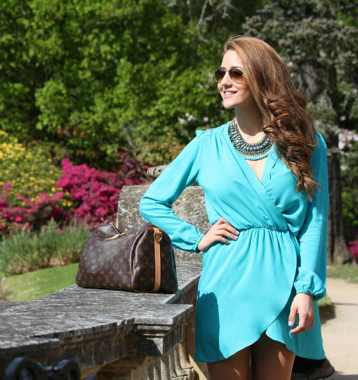 #girly #TamaraKalinic #fashion #outfit #myzine #streetstyle #luxury #rayban #raybans #aviators #dress #LouisVuitton #statementnecklace #necklace