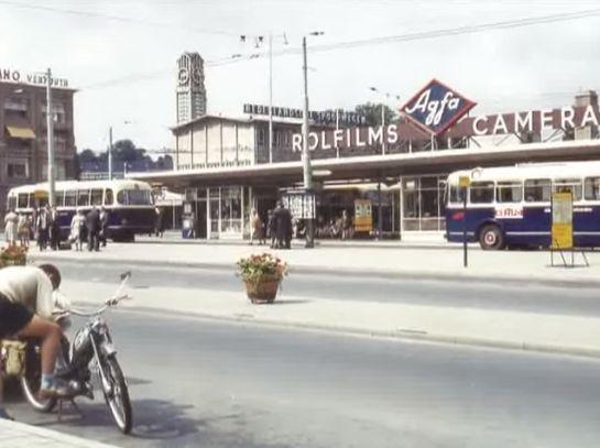 Het Stationsplein in Arnhem in 1962