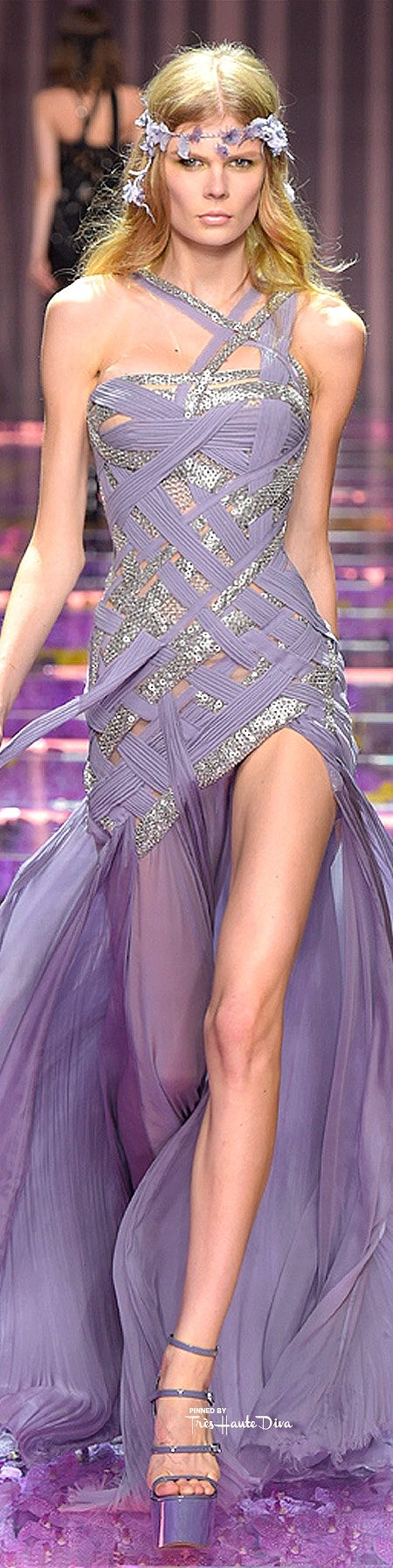 Atelier Versace Fall/Winter 2015-16 #Haute #Couture ♔ Très Haute Diva ♔ For the entire collection visit my website www.treshautediva...