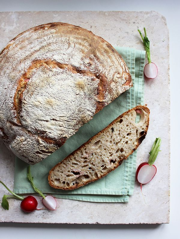 Wiosenny chleb orkiszowy na zakwasie