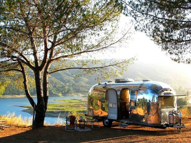 Love Vintage Airstream...  Envisioning The Sweet Life...