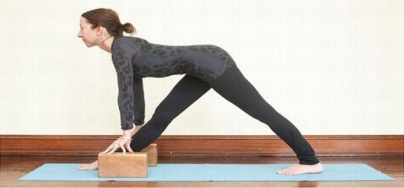 How To Use Yoga Blocks In 6 Different Ways