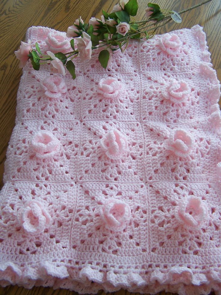 Pretty-In-Pink Roses Baby Afghan