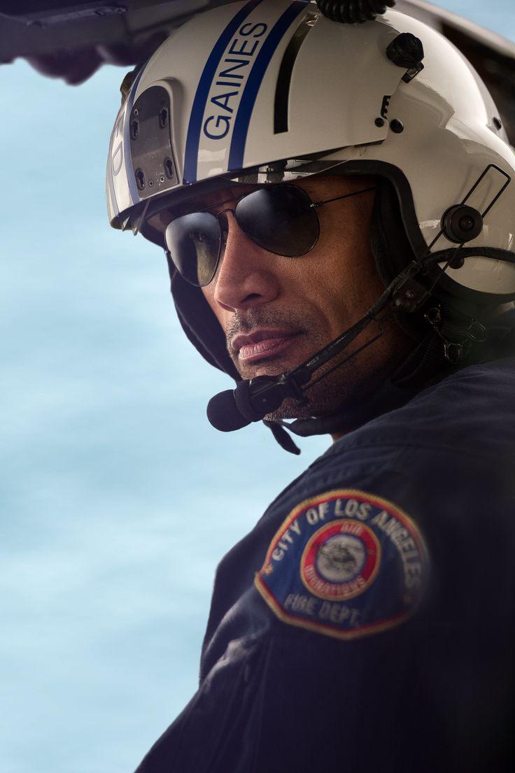 Dwayne Johnson es un experimentado piloto de helicóptero de emergencias que tendrá que luchar para proteger a su familia de la Falla de #SanAndrés. No te pierdas la película de acción del año:ya en cines.