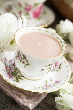 Розовый кашмирский чай