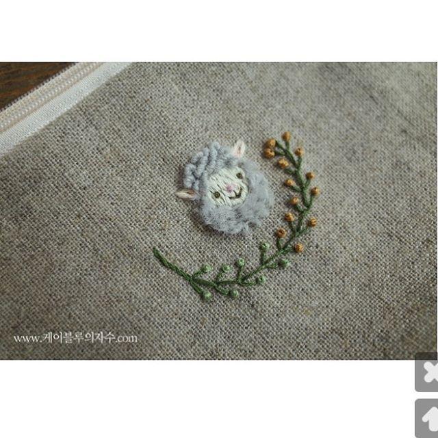양머리 파우치~~~ #자수타그램 #자수 #프랑스자수 #케이블루 #양 #아기양 #동물자수