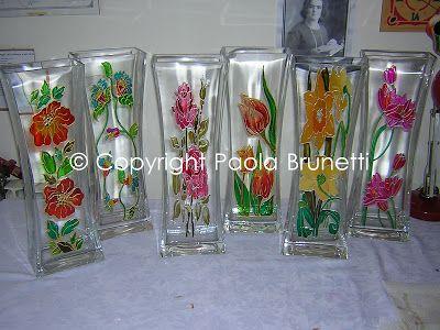 Reali Fantasie Colorate: Sei vasi su vetro dipinti su commissione