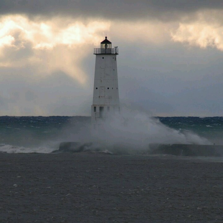 Waves crashing on a lighthouse | Lighthouse | Pinterest