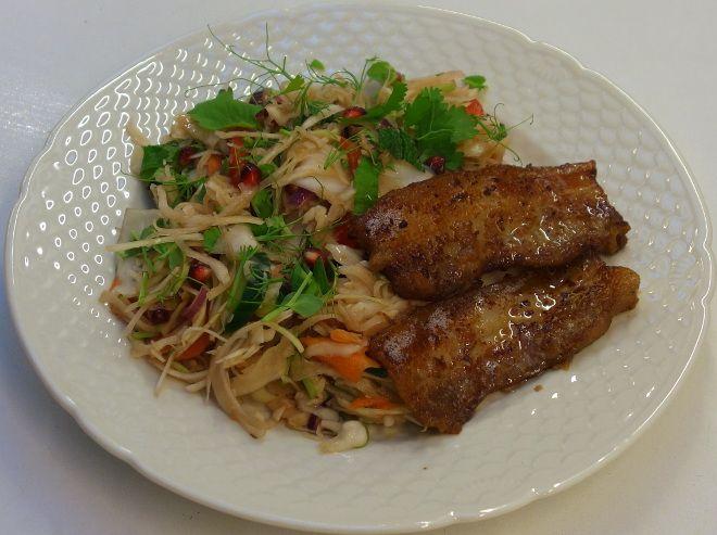 Koreansk BBQ flæsk med sprød kålsalat