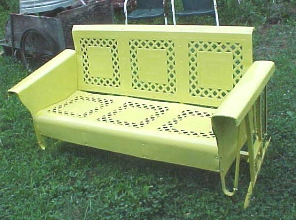 Beautiful Vintage 50 S Yellow Lattice Metal Porch Patio Glider Georgia Pick Up Ebay The Retro Antiques Some Sublime Junk