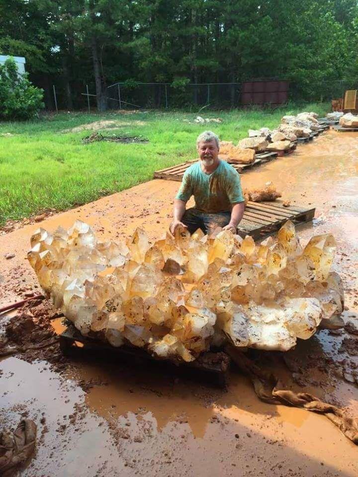 133 best rock on images on Pinterest | Crystals minerals, Rocks ...