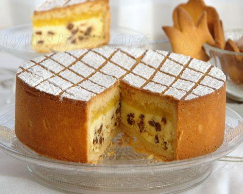 la cassata sicialiana al horno es un dulce o tarta típico de italiano que tradicionalmente se prepara en semana santa o navidad. el origen es muy antiguo, se dice que, durante la dominación árabe en la isla...