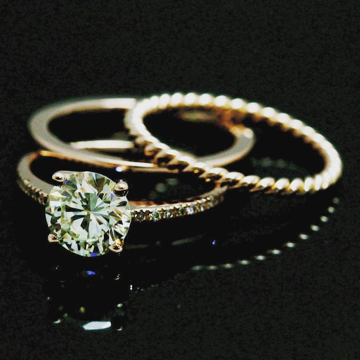#brilliantcut #engagementring #diamonds #rosegold #ropering #ropeweddingband #weddingband #micropave #weddingring #wedding #ring #gold #ido #shesaidyes #handmadejewellery #jewellery #jewelleryworkshop #solitairering #solitaire #blackroom #capetown #capetownjewellery #greenpoint #southafrica