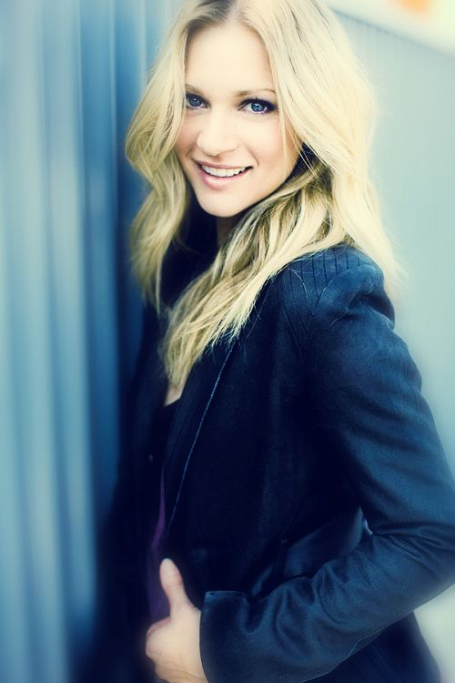 A.J. Cook, Agent Jennifer Jereau of Criminal Minds. She is sooooo pretty!!!!! And also and EXCELLENT actress!!!