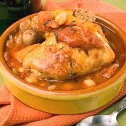 Stoofschotel met kip en rozemarijn. Afbeelding bij recept gezocht omdat Pinterest stom doet. Hier de link met het recept: http://www.smulweb.nl/recepten/1060494/Stoofpot-met-kip-en-rozemarijn-ook-voor-de-slowcooker