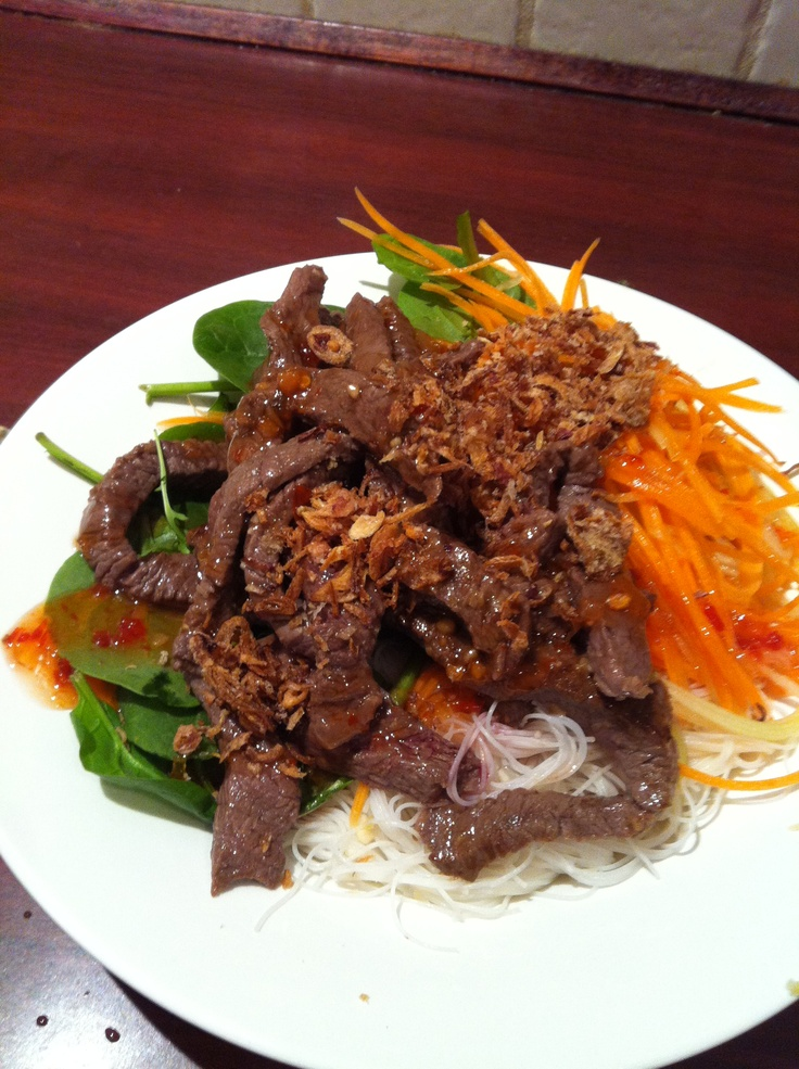 Vietnamese Beef Salad.  From the Michelle Bridges book 'The No Excuses Cook Book'.  Just loved it :D
