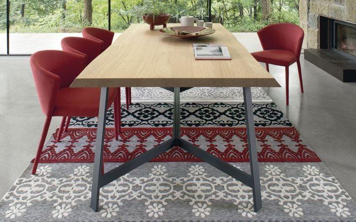 Status - Tavolo in legno con base in metallo