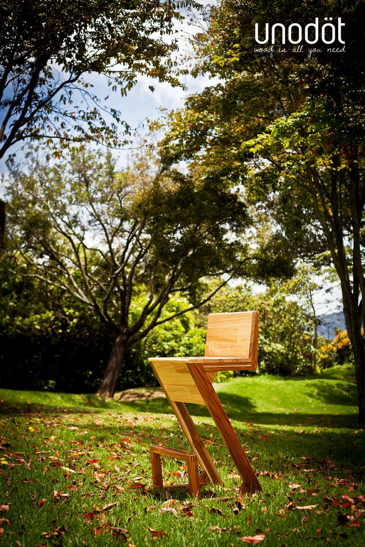 Zeta is a chair with character. Its clean lines complement with ergonomics and give the user greater comfort. Its formal design aesthetic resembles the letter zeta, giving style and personality. It's a bar chair, that helps the user comfort with the soft lines of its backrest. Displays the affinity Unodöt with clean and functional design, which combines form and function.