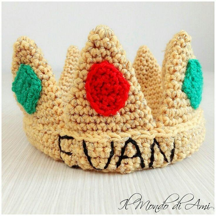 Un piccolo principe sta per compiere un anno 😍 ecco per lui la sua coroncina! 👑 #amigurumi #handmade #crochet #fattoamano #uncinetto #corona #crown #happybirthday #piccoloprincipe #babyprince #1anno #buoncompleanno