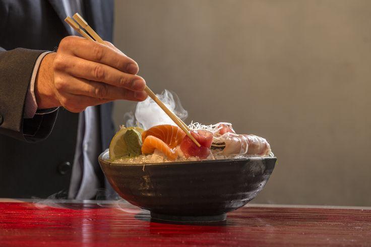 Το εστιατόριο μας σερβίρει από τα καλύτερα Sushi στην Αθήνα. Black Rice Sushi, Sashimi, Nigiri και Signature Rolls. Δοκιμάστε τις φοβερές αυτές γεύσεις και αφήστε τις αισθήσεις σας να σας ταξιδέψουν! #Pasaji #PasajiAthens #CityLink #Athens #Food #AthensFood #Restaurant #AthensRestaurant #FoodInAthens #RestaurantInAthens #LunchBreak #Athens #Sushi #BlackRice