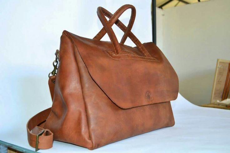Handbag love. Leather. South Africa. Pretty and handy !