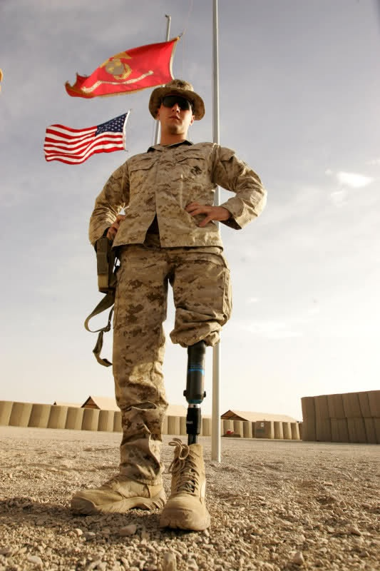 Above-the-knee left leg amputation and back on deployment?  Sure, no problem.: Stands Tall, American Heroes, Veterans Day, Semper Fi, God Blessed, Service Dogs, Real Heroes, Marines Corps, Us Military
