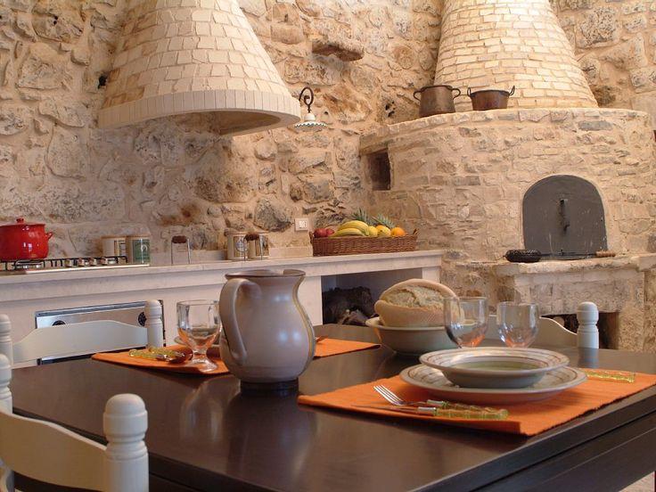 Risultati immagini per forno antico  ibleo  in pietra interno