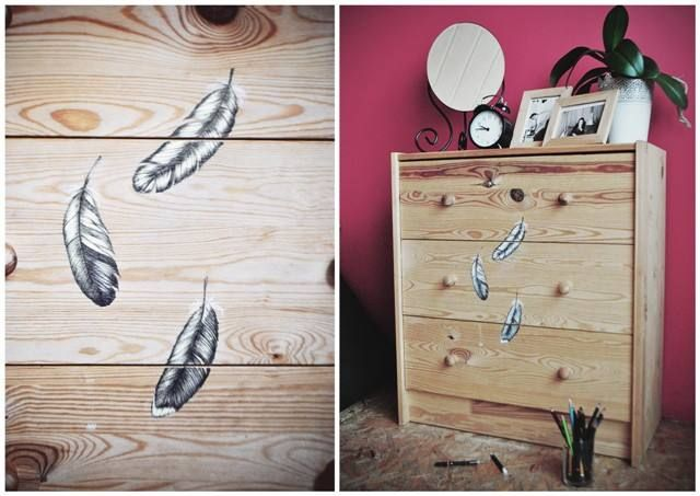 I was so bored last night that while cleaning my chest of drawers I thought of adding there a few feathers. Lately I'm adding them everywhere actually ;) Altough it's not done yet I like it how it looks. My grandmother called it 'spoiling such a nice furniture' but I don't realy think so ;) It's just an Ikea item after all :)