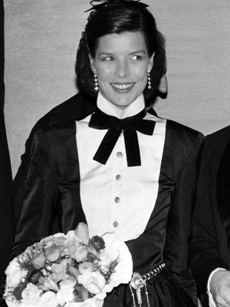 """Wie ein Zwilling: Caroline von Monaco (heute """"von Hannover"""") mit 28 Jahren posieren"""
