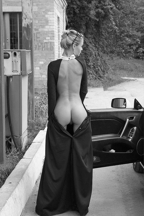 голая под платьем фото