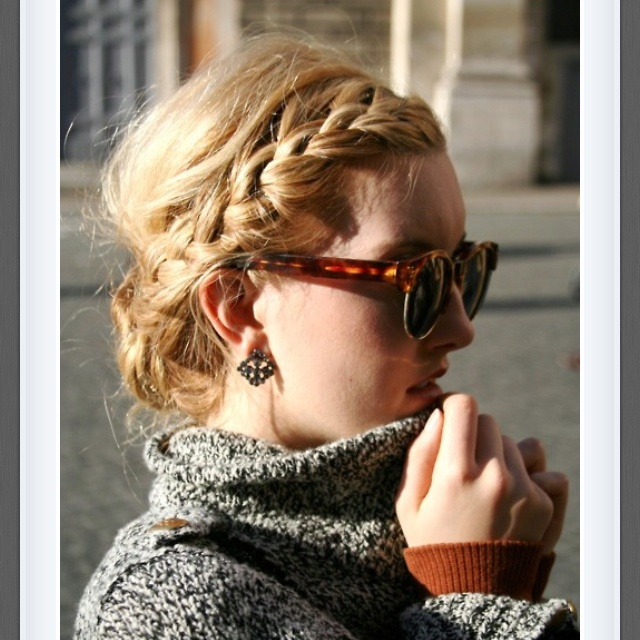 Side braid: French Braids, Sweaters, Hairstyles, Messy Braids, Messy Buns, Hair Style, Side Braids, Sunglasses, Braids Hair