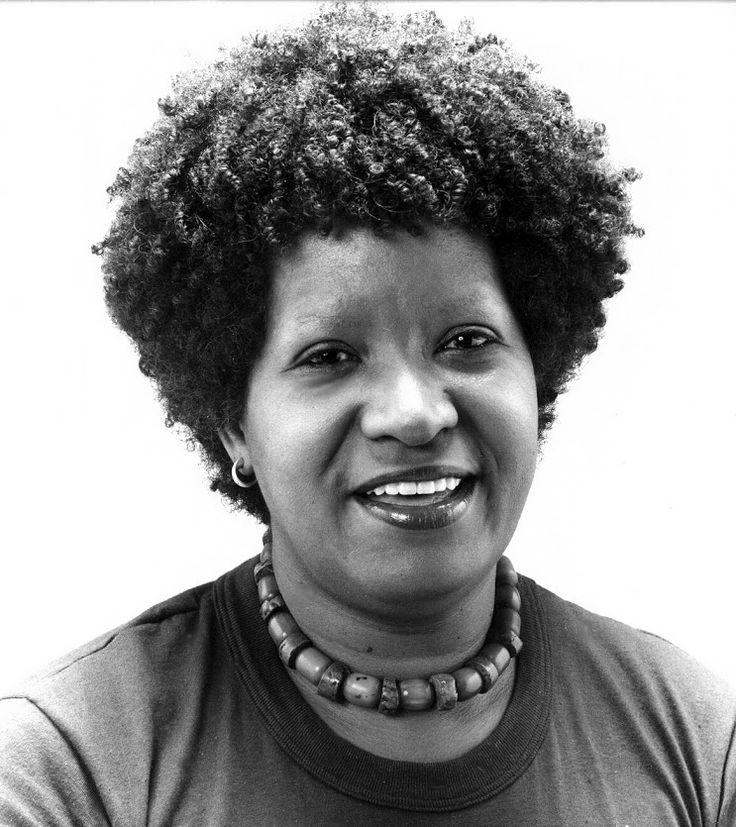 Lélia Gonzalez (Belo Horizonte, 1 de fevereiro de 1935 — Rio de Janeiro, 10 de julho de 1994)