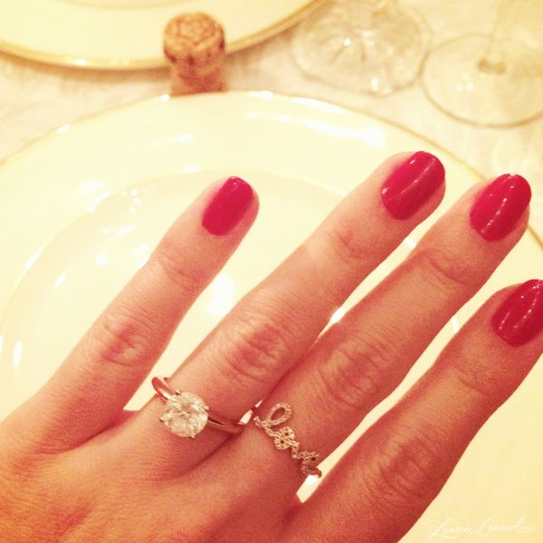 HOW LONG HAVE I BEEN SAYING I WANT AN ENGAGEMENT RING LIKE THIS. And everyone said, gold?! You want a gold engagement ring?! Yes, yes I do. And so did Lauren Conrad. BAM.