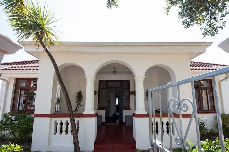 Maison à Le Cap, Afrique du Sud. An unique, fully furnished, private room…