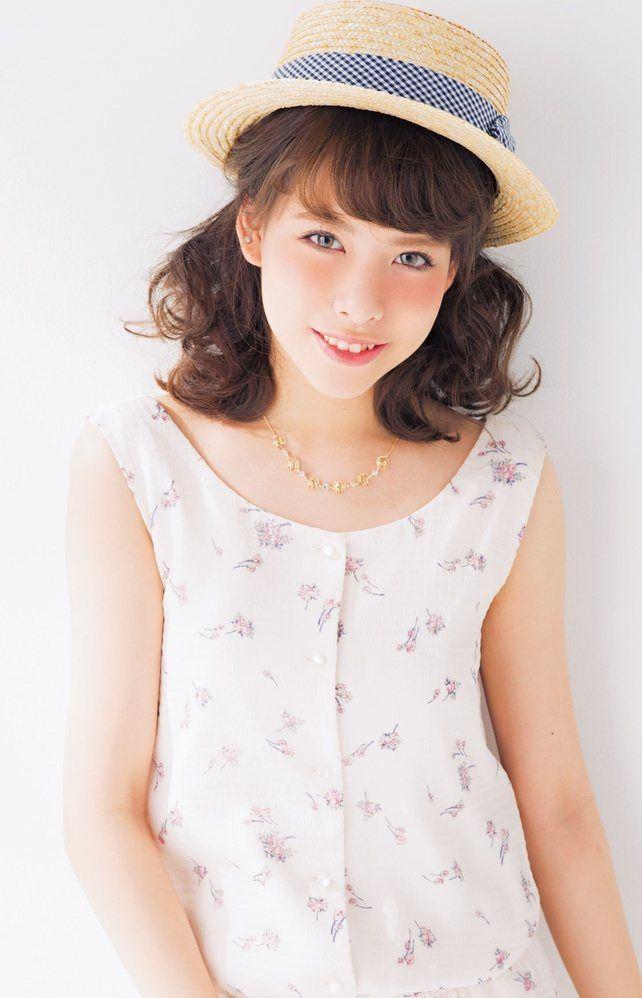 麦わら帽子をかぶる夏にやりたいねじりヘア♡帽子に合うヘアアレンジ