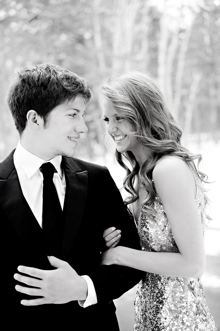 Take a picture like this with your Prom date by the end of the night!