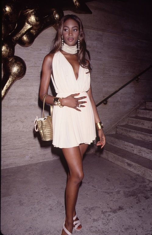 Naomi Campbell mannequins 90's, celebrities, lifestyle, luxury living, Celebrities life style, celeb lifes, cool celebrities, celebrities photos, celebrity style www.bocadolobo.com