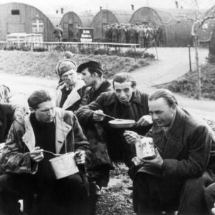 Over 10,000 German prisoners of war arriving from the Soviet Union came through the gates of Friedland between 1955 and 1956