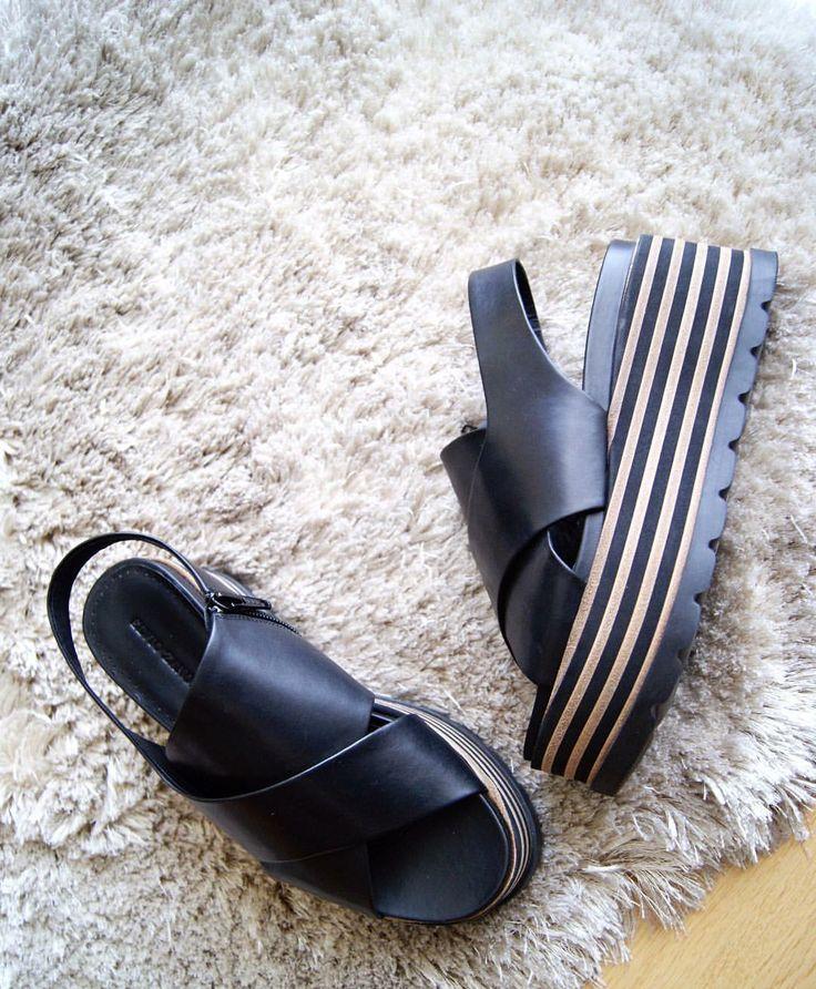 Il marchio #ElvioZanon non solo imposta il trend ma stabilisce anche la direzione in cui si evolve la moda delle calzature.  Shop online: www.loggicalzature.com Details on: http://calzatureon-line.it/