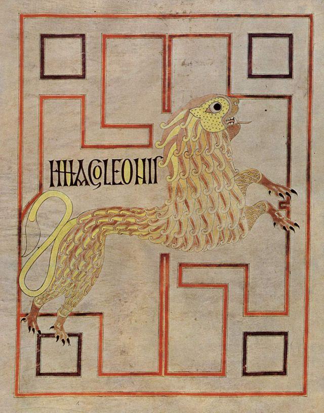 Le lion, symbole de st Marc, évangéliaire d'ECHTERNACH. ENLUMINURE INSULAIRE, 2) CARACTERISTIQUES. 2.4 MINIATURES, 3: La représentation humaine se fait de manière très schématique, avec des personnages en pied, le plus souvent sans ailes ni nimbes pour représenter les évangélistes. Parfois leur représentation se limite à leur symbole, des lions, beaufs et aigles représentés à la manière des motifs héraldiques.