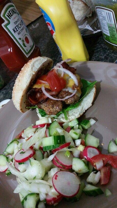 Beef burger and salad (fennel, radish, cucumber - evoo s&p)